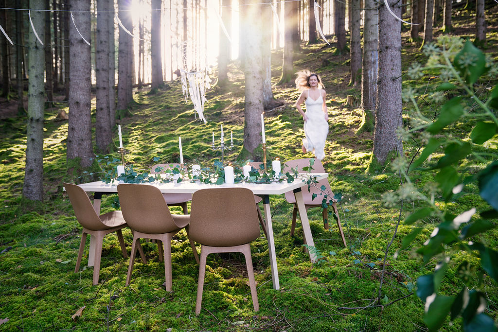 Nordic Stretch Tents - Scandinavian Plank Table & Fold It Chair